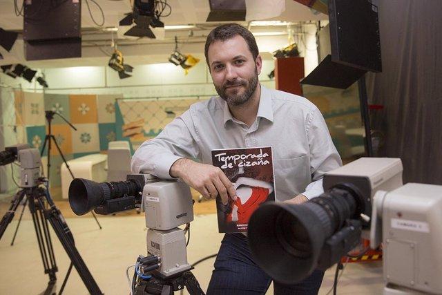 """Marcos García, autor del libro """"Temporada de Cizaña""""."""