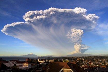 Varias localidades argentinas afectadas por la erupción del volcán Calbuco
