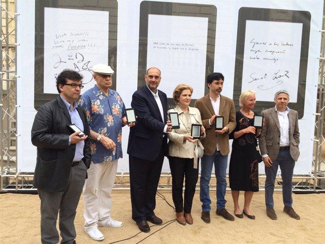 Escritores dedican su libro en Kindle por Sant Jordi