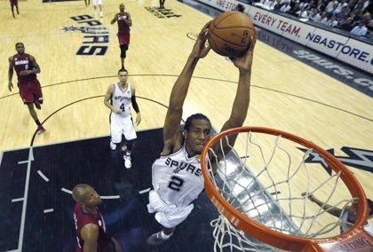 Kawhi Leonard (Spurs), nombrado mejor defensor de la temporada