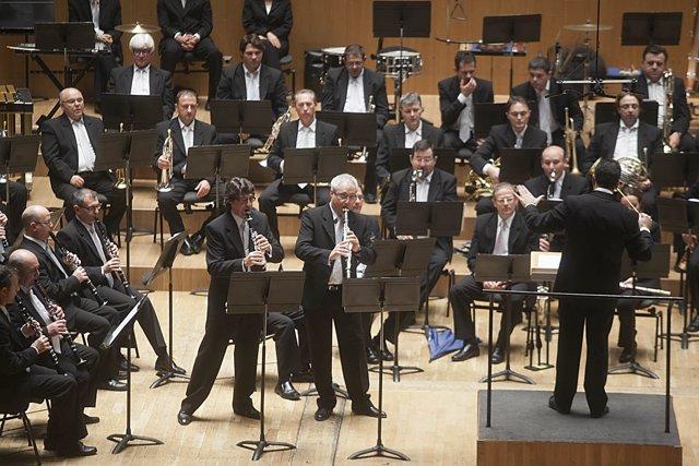 La Banda Municipal estrena en el Palau el l'Himne del Centenar de la ploma