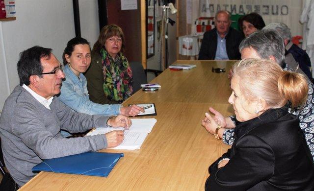 Cruz Viadero se reúne con la asociación de vecinos de Quebrantada