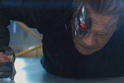 La lucha entre los dos Schwarzenegger en el nuevo clip de Terminator: Génesis