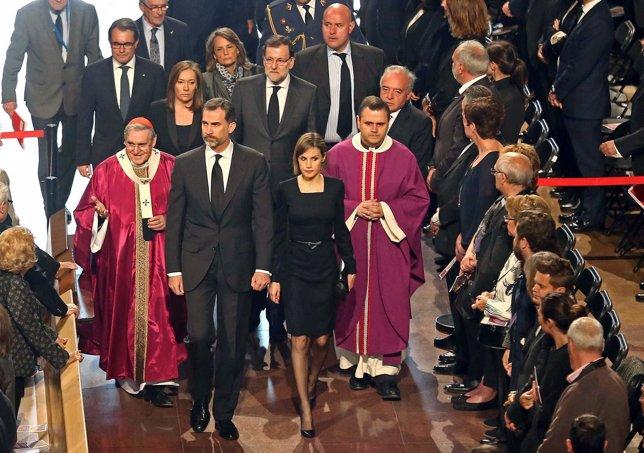 Los Reyes, Rajoy y Mas en el funeral por las víctimas de Germanwings