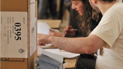 Denuncian serias irregularidades en el voto electrónico en Argentina