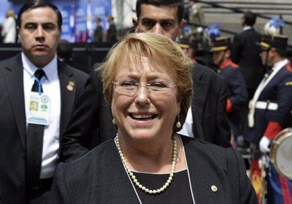 Bachelet pone fin al sistema electoral de Pinochet