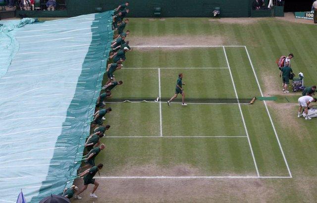La lluvia detiene la final de Wimbledon entre Federer y Murray