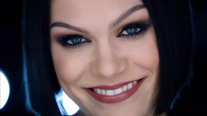 Jessie J estrena el videoclip de su nuevo single Flashlight