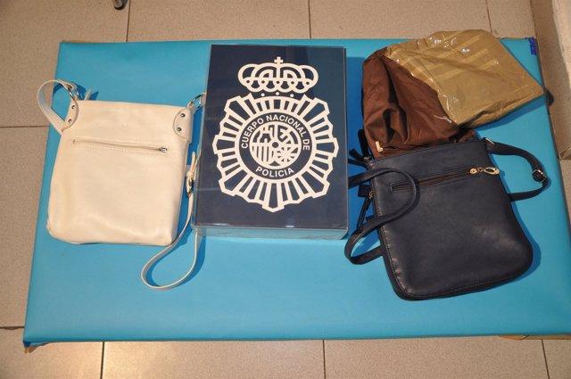 Algunos de los utensilios robados y recuperados por  la Policía