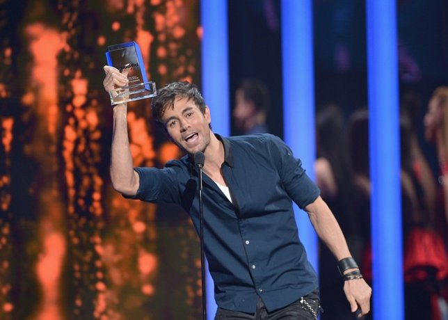Enrique Iglesias Performs Onstage At The 2015 Billboard L