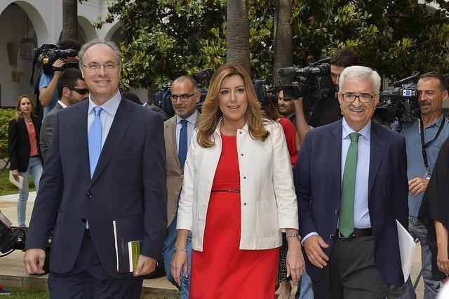 Díaz, a su llegada a la sesión de investidura