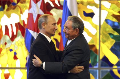 Raúl Castro llega a Rusia, donde tiene previsto reunirse con Medvedev y Putin