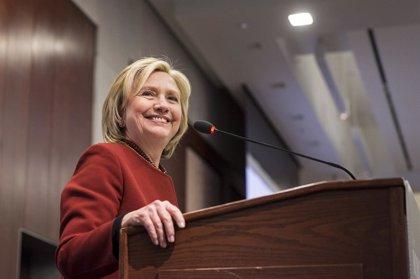 Clinton apuesta por una vía para conceder la ciudadanía a los inmigrantes