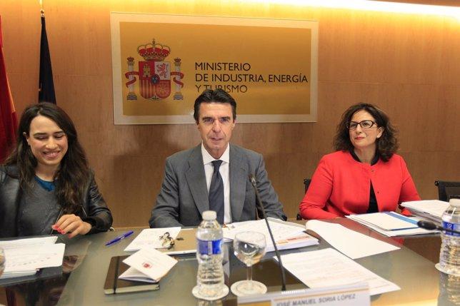José Manuel Soria e Isabel Borrego en la Conferencia Sectorial de Turismo