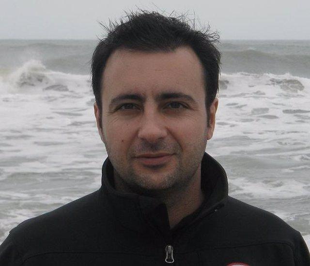 El poeta y profesor Marcos Canteli