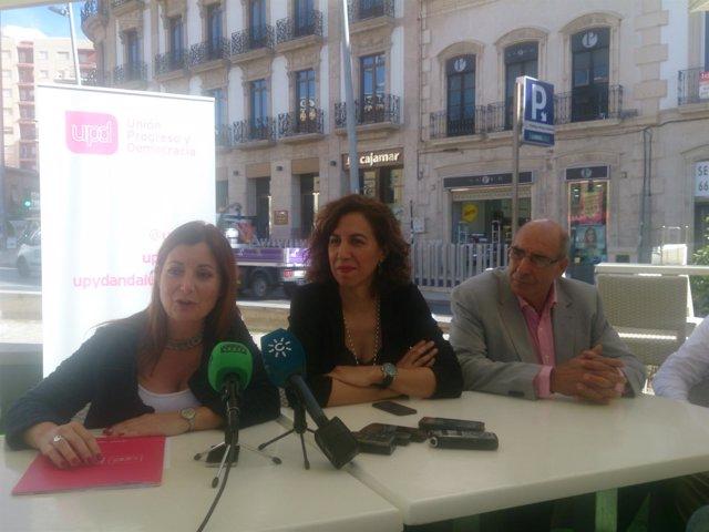 Lozano, junto a Laura Carretero y Paco Fernández