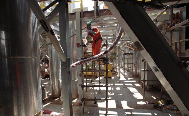 Trabajador en una plataforma de Petrobras