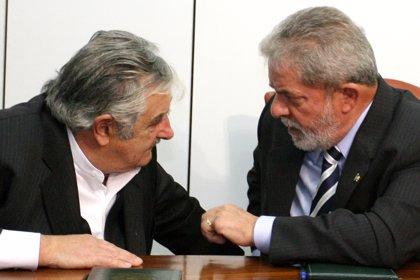 Mujica relata cómo Lula le admitió conocer el caso 'Mensalão'