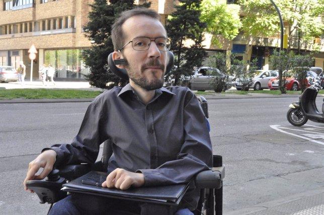 El candidato de Podemos a la Presidencia de Aragón, Pablo Echenique.