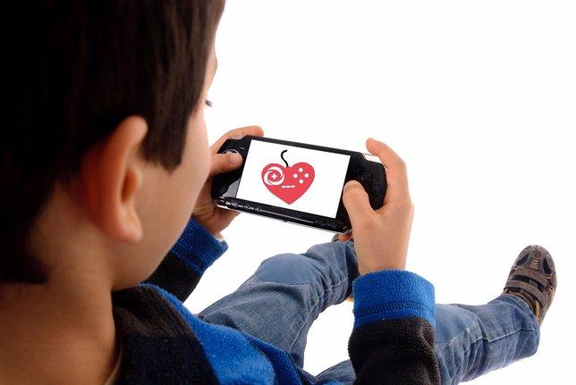 Niño jugando a un videojuego