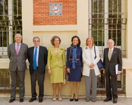 La Reina Sofía asiste una reunión del Centro Reina Sofía sobre Adolescencia y Juventud de la FAD