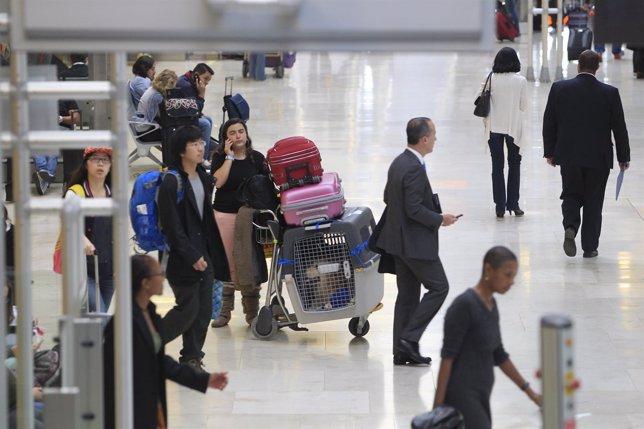 Aeropuerto de Barajas, turismo, turistas, viajeros, viajes, avión, avión, AENA