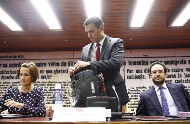 Pedro Sánchez, María Chivite y Antonio Hernando en el Senado