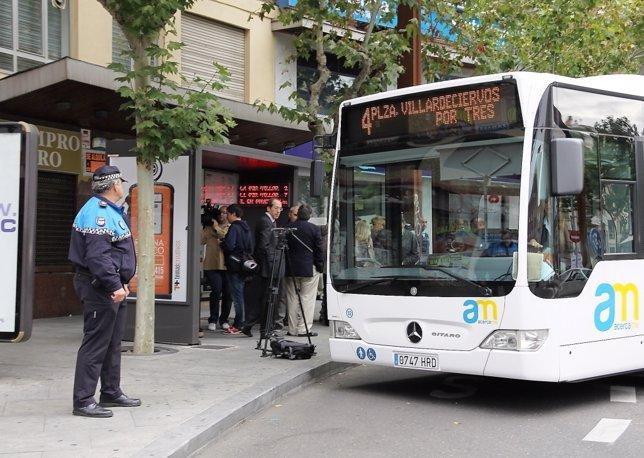 Autobús municipal de Zamora en una parada