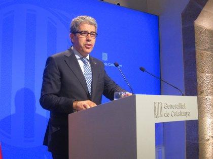 Homs defiende la actuación del Govern ante las prótesis defectuosas