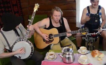 Vídeo: Versión country bluegrass del Seek & Destroy de Metallica