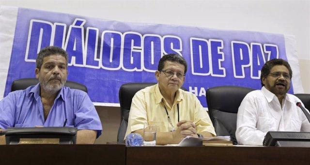 Iván Marquez, Pablo Catatumbo y Marcos Carratala (FARC) en La Habana