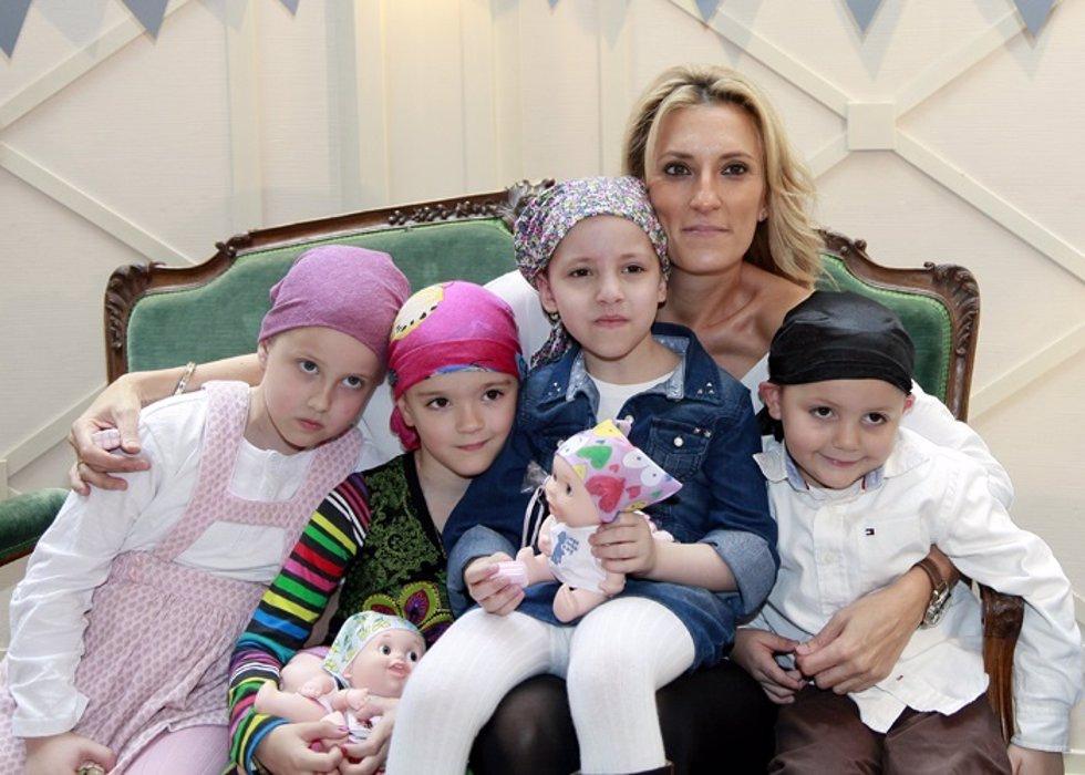 Mónica Esteban volcada oncología infantil 12 de octubre