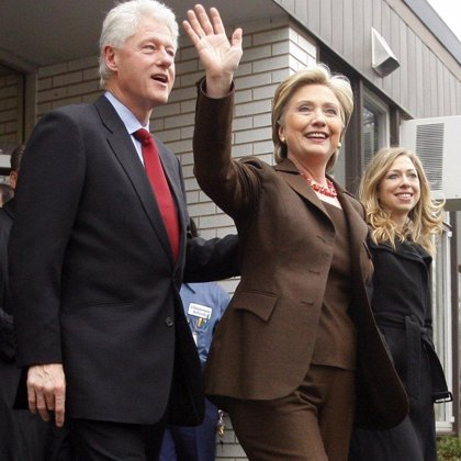 Hillary y Bill Clinton ganaron más de 25 millones por pronunciar discursos