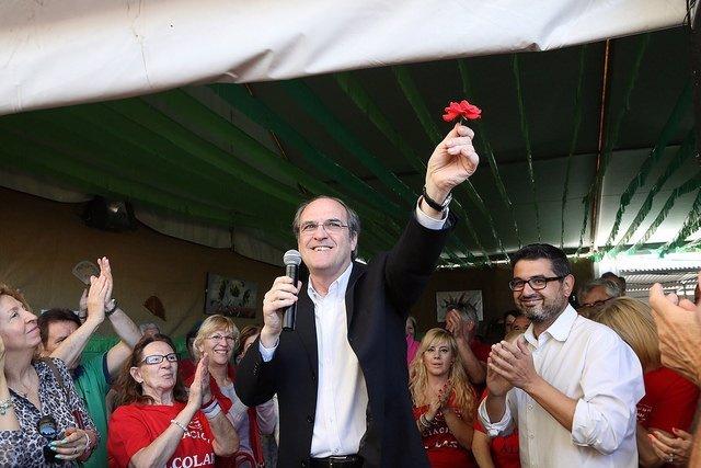 Gabilondo en un acto de campaña en San Sebastián de los Reyes