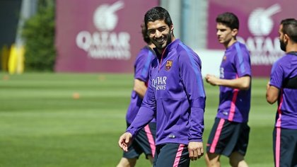 Luis Suárez entrena con normalidad y está a punto para el Vicente Calderón