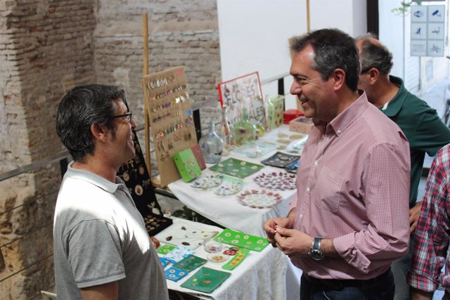 El candidato del PSOE a la Alcaldía de Sevilla, Juan Espadas