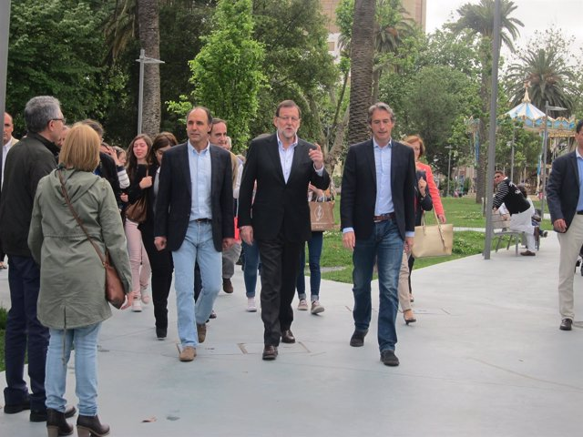 Rajoy pasea por Santander