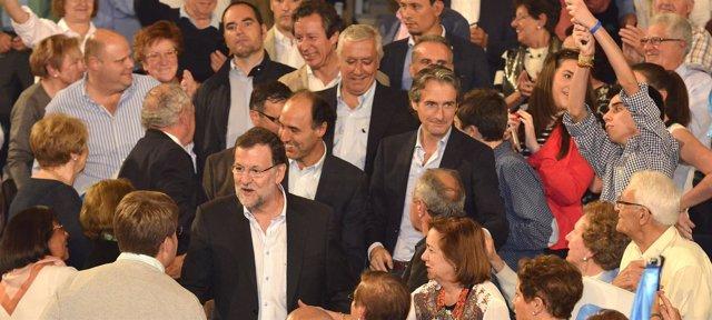 Entrada de Rajoy, Diego y De la Serna al mitín