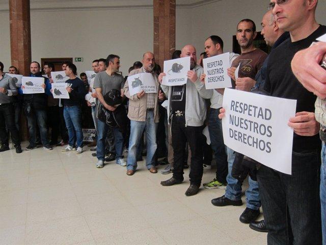 Policías Locales protestan en el Ayuntamiento de Santander