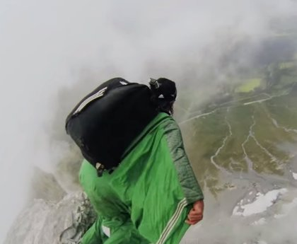 Mueren dos escaladores en un salto extremo en el parque Yosemite