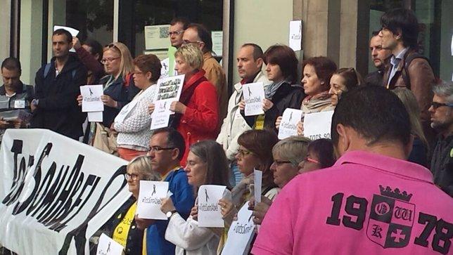 Manifestación de profesores un mes después de la muerte de un profesor