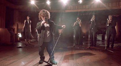 Tyrion repasa las muertes de Juego de tronos con una canción de Coldplay