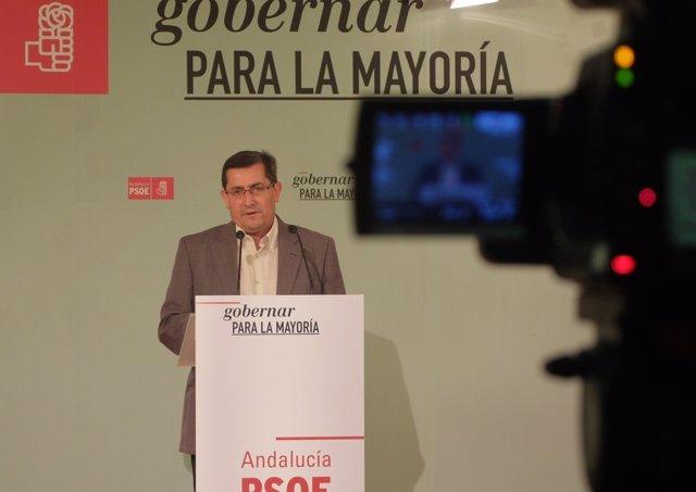 José Entrena en rueda de prensa