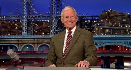 Jimmy Kimmel homenajea a David Letterman por su último programa
