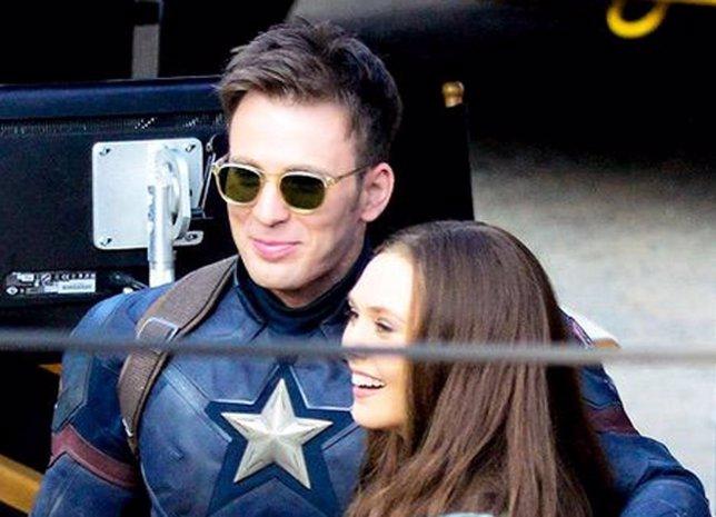 Elizabeth Olsen (Bruja Escarlata), En Capitán América: Civil War