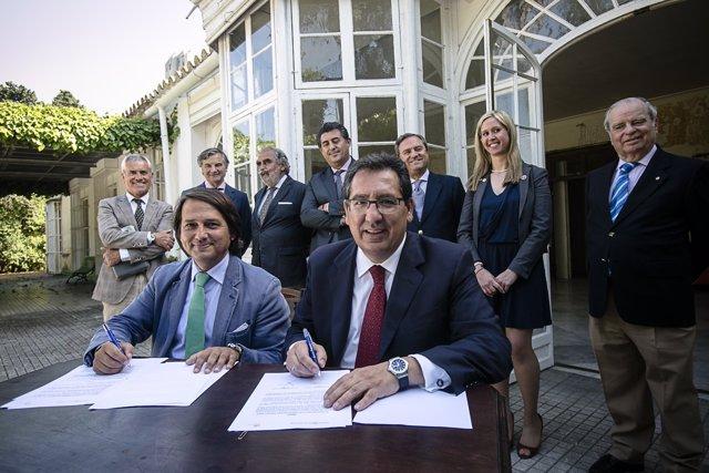 Fundación Cajasol se suma al proyecto Universo Santi