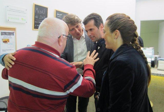 Luis Tudanca, junto al alcalde de Soria, Carlos Martínez