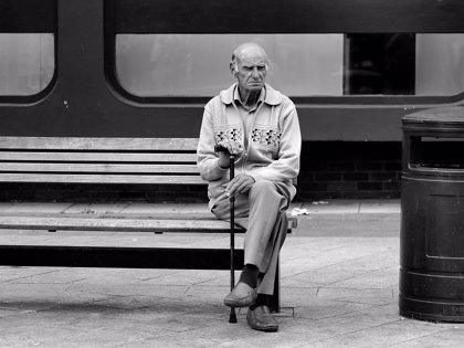 La soledad perjudica a la salud del 10% de los ancianos