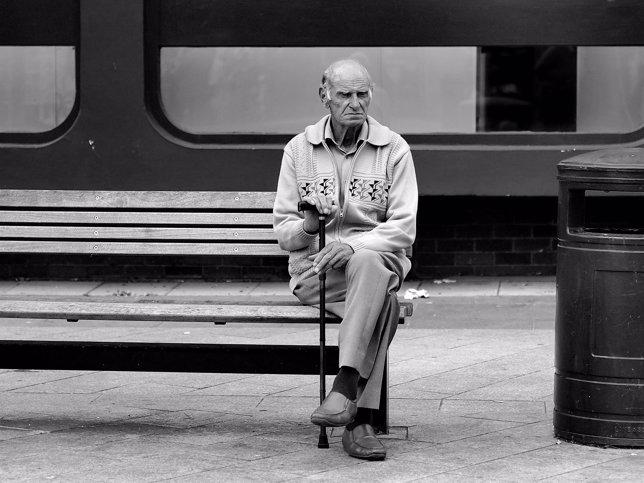 La soledad causa afecciones físicas o psíquicas a los ancianos