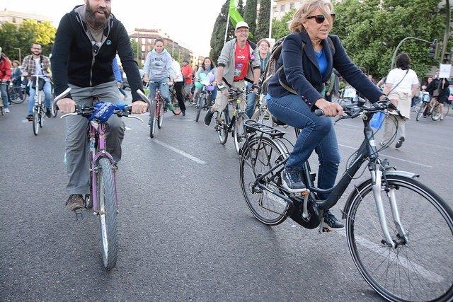 Manuela Carmena en bicicleta
